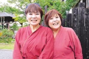 おかみ 柳川美千代さん(左)、スタッフ 岩崎ゆかこさん