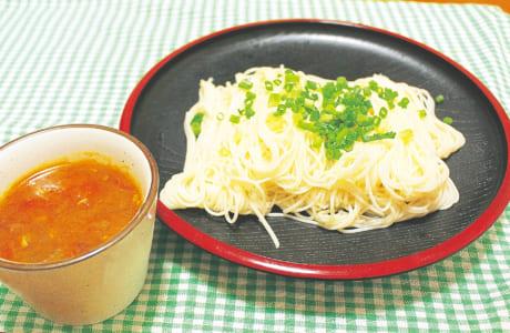 ツナ&トマトが決め手!カレーつけ麺