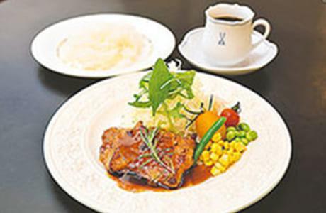 サイフォンコーヒー NARU CAFE(ナル カフェ)