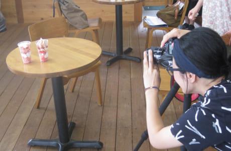 美味しそうなカメラアングルを素早く捉えての取材