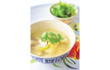 画像:鶏×パクチーのうま味凝縮スープ
