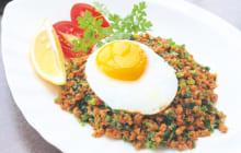 画像:おうちでCOOK – ピリ辛のニラ入り肉みそでご飯が進む たっぷりニラの坦々飯