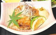 画像:季肴酒(ききざけ)松(まつ)と椛(もみじ)