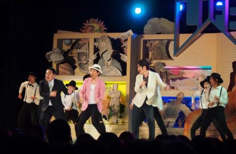 コント「ゲスとサファイア」にムローノ・マーズが加わってダンス