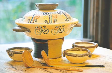 土鍋1万8000円、コンロ(小)3000円、ココット皿各1800円