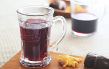 画像:【ホットワイン】レモンピールがアクセント 甘さの中に爽やかな際立つ一杯