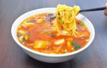 画像:【407号】麺's すぱいす – 四川料理ベースのメニューが豊富 春香亭(はるかてい)