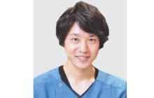 画像:歯科用マイクロスコープで歯根を確認 神経まで達した虫歯をきれいに除去