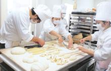 画像:製パン・製菓技術を身に付けて、夢の一歩を!