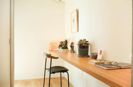 壁の奥の一角。勉強スペースや書斎としても活用できそう