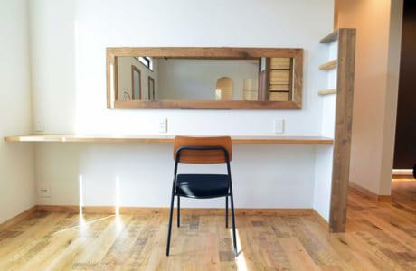 ちょっとした作業スペースもお客さんのライフスタイルを考え提案