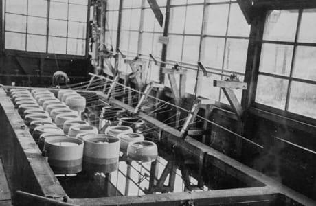 当時、鏡町にあった熊本県水産試験場鏡分場のノリ培養室。