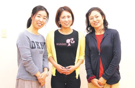 左から田迎西2町内子ども会会長・上村直子さん、同副会長・八木佳奈さん、3町内子ども会会計・松下あやさん
