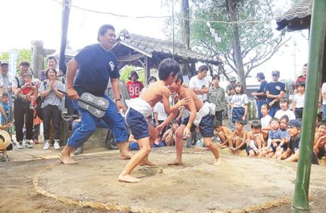 田迎西校区の伝統行事「宮相撲大会」では校区自治会と連携