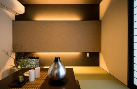 和室へは、家族のプライベート空間を通らず来客用玄関から一直線