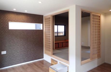 LDKの一角に配された小上がりの和室は、さまざまな用途に活用できそう