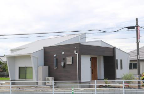 勾配屋根が印象的なKさん邸の外観