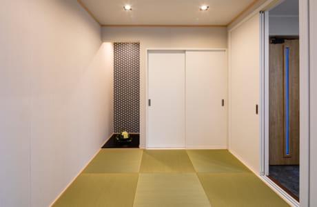 リビングとつながる和室は、扉を収納することで開放感も演出できます