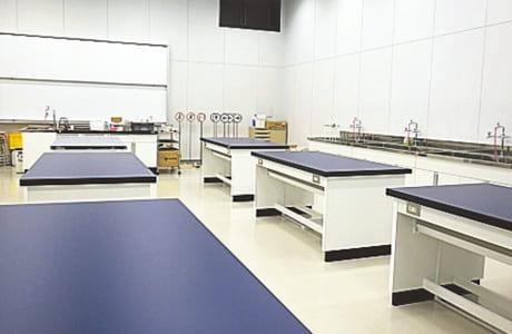 実験や工作を楽しみながら、科学の原理や技術が学べる「子ども科学・ものづくり教室」。12月は毎週開催。詳細は同館HPで。