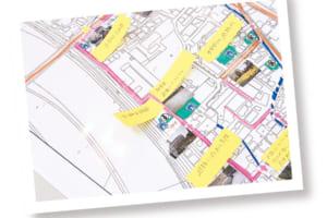 フィールドワークの際に撮影した写真を地図上に貼付。危険箇所をよりイメージしやすくします