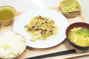 本日の「日替わり定食A」。ご飯は白米・玄米からチョイス