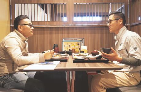仕事から私生活まで本音で話し合う村田社長のランチミーティング(撮影協力/浜ん小浦総本店)