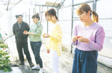 前田さんに質問する読者スタッフ
