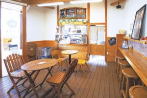吉次園直営のカフェの店内
