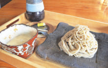 画像:【470号】麺's すぱいす – 阿蘇の伏流水で打つそばが評判 手打ちそば 日出や