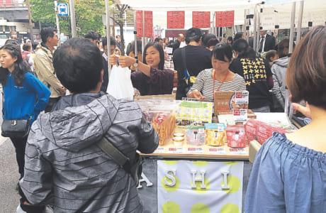 熊本地震から2年目に東京有楽町で 開催された「復興マルシェ」に参加
