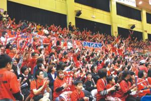 ホーム最終戦の香川戦には、熊本市総合体育館に3567人のブースターが訪れました