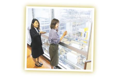 牛乳を容器に詰める充填(じゅうてん)工程では人気商品がズラリ!