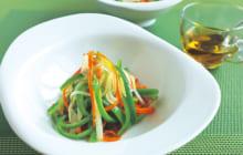画像:おうちでCOOK – スパイス効果で箸が進むヘルシーメニュー ピーマンのコリアンダーサラダ
