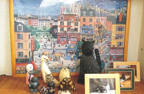 片付けをして空いたスペースに、好きなものを飾る「ときめきコーナー」を作ってみるのもおすすめ。竹野さんは大好きな猫グッズを飾っています