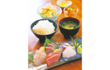 画像:海鮮問屋 まるよし食堂