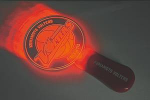 オープニングセレモニー等には欠かせないペンライト1500円。ヴォルターズのロゴが浮かび上がります