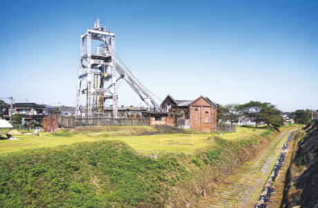 宮原坑のすぐ横には、港まで石炭を運んだ「三池炭鉱専用鉄道敷跡」も