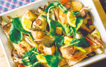 画像:根菜とチキンのグリルサラダ