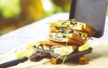画像:トルコ生まれの名物サンドをアレンジ サバと香草のホットサンド