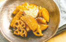画像:赤酒×サツマイモの根菜甘酢炒め