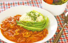 画像:おうちでCOOK – トマト缶で煮込むと洋風メニューに 豚とまライス